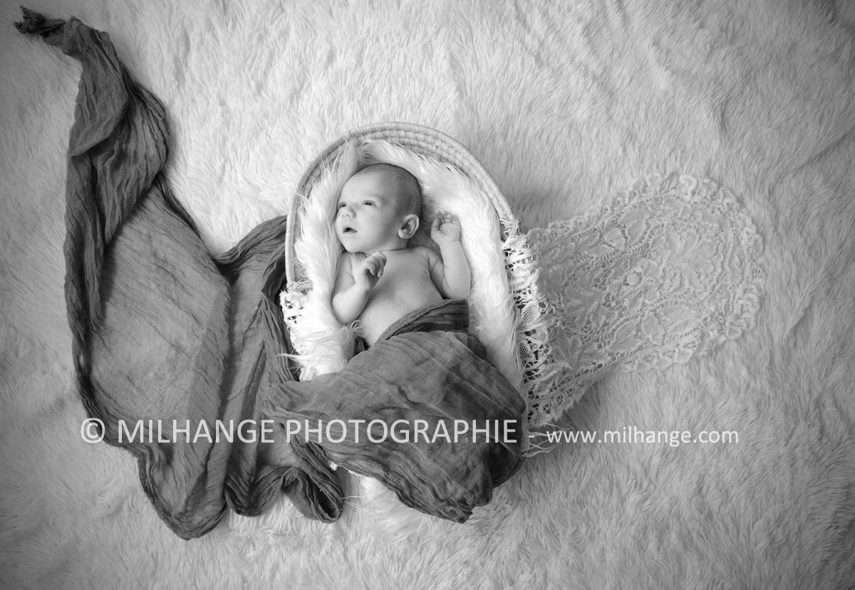photo-nouveau-ne-bebe-charente-maritime-saintes-royan-bordeaux-la-rochelle-6