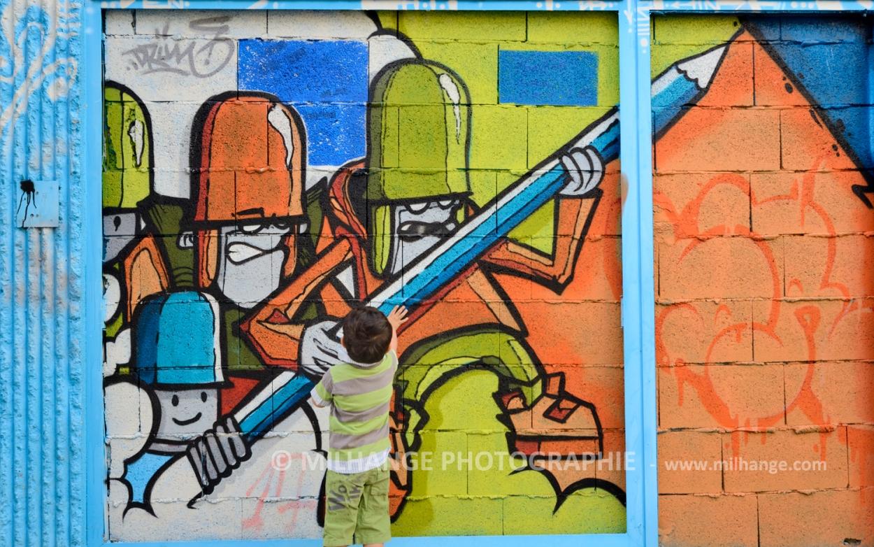 photo-enfant-street-art-saintes-royan-libourne-bordeaux-5