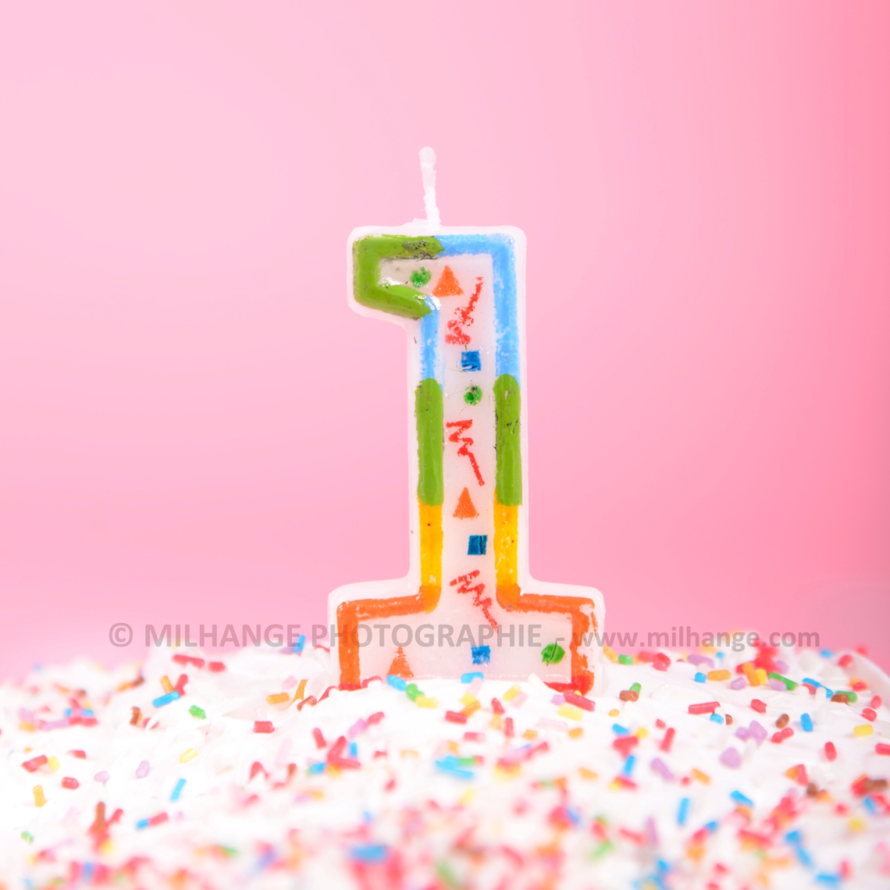 photo-bebe-studio-gateau-anniversaire-fille-libourne-bordeaux-charente-maritime-3
