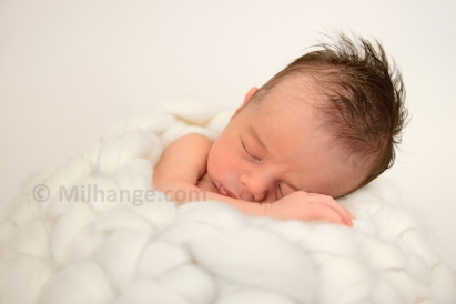 photo-nouveau-ne-bebe-studio-bordeaux-libourne