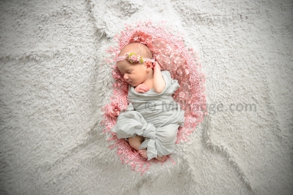 photo-studio-nouveau-ne-bebe-bordeaux-saintes-3