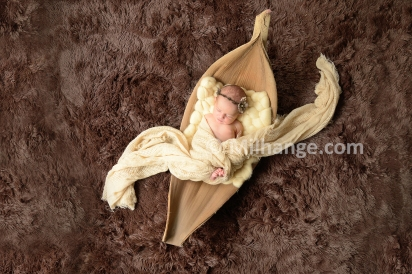 photo-studio-nouveau-ne-bebe-bordeaux-saintes-4