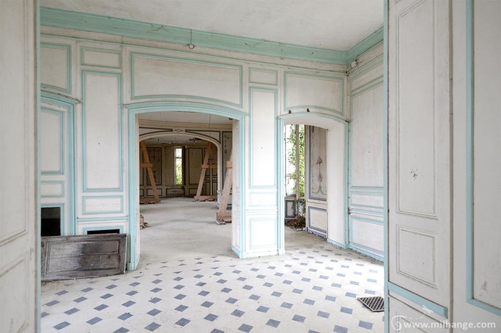 photo-urbex-chateau-angelots-popkov-abandonne-decay-france-10