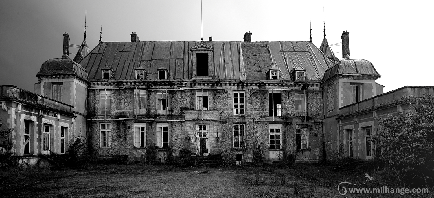 photo urbex chateau angelots popkov abandonne decay france. Black Bedroom Furniture Sets. Home Design Ideas