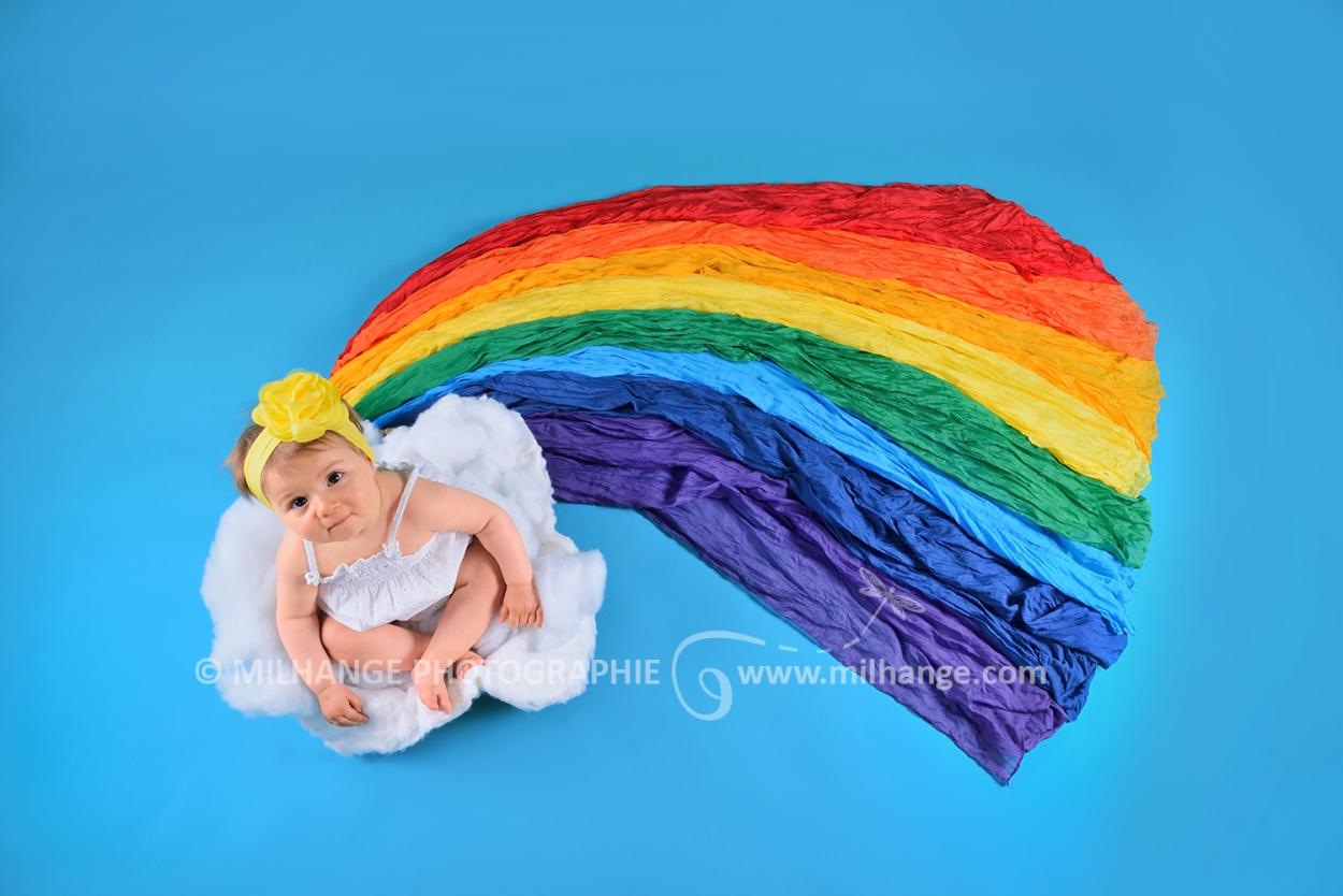 photo-studio-bebe-rainbow-arc-en-ciel-nuage-libourne-bordeaux-gironde-10