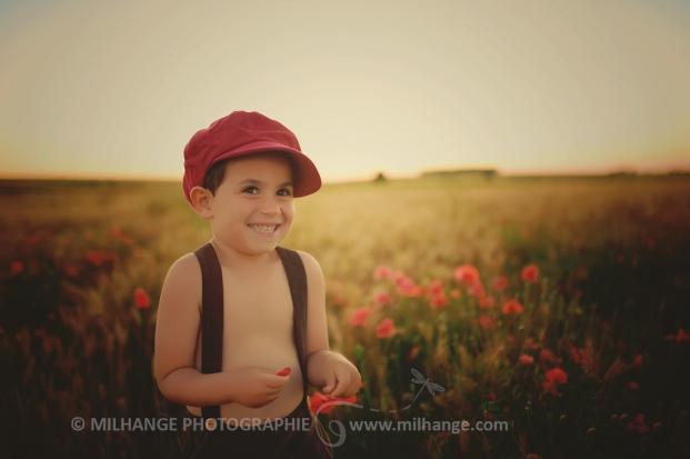 photo-enfants-coquelicots-champs-bordeaux-libourne-gironde-charente-maritime-2