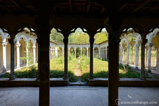 photo-urbex-exploration-urbaine-patio-levant-abandonne-decay-11