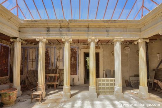 photo-urbex-exploration-urbaine-patio-levant-abandonne-decay-13