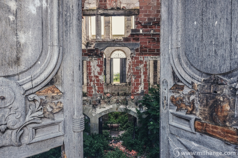 photo-urbex-exploration-urbaine-chateau-abandonne-lost-castle-decay-4