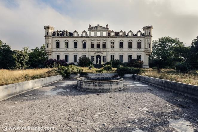 photo-urbex-exploration-urbaine-chateau-abandonne-lost-castle-decay-7