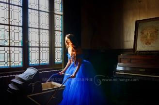 Robe disponible à la location : https://ambrine.fr/portfolio/robe-princesse-romantique/
