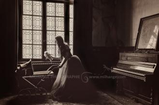 photo-urbex-chateau-abandonne-castle-decay-piano-france-2