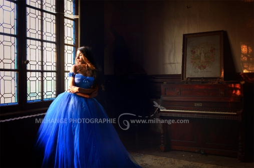 photo-urbex-chateau-abandonne-castle-decay-piano-france