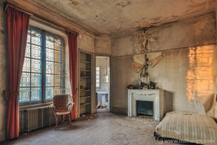 photo-urbex-chateau-abandonne-petit-prince-castle-decay-france-2