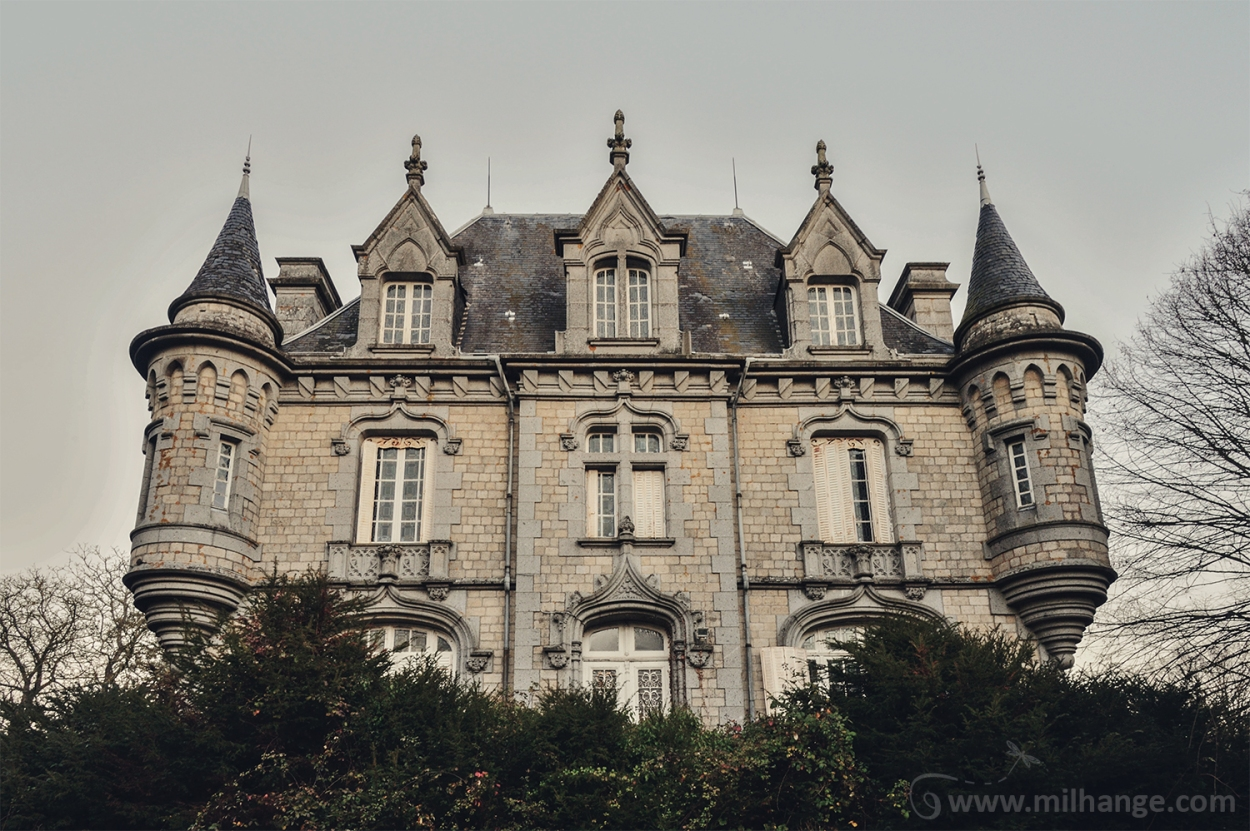photo-urbex-chateau-abandonne-petit-prince-castle-decay-france-4