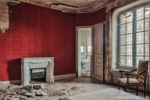 photo-urbex-chateau-abandonne-petit-prince-castle-decay-france-6