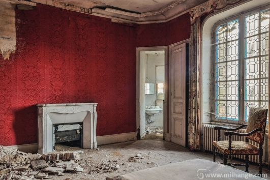 photo-urbex-chateau-abandonne-petit-prince-castle-decay-france-6