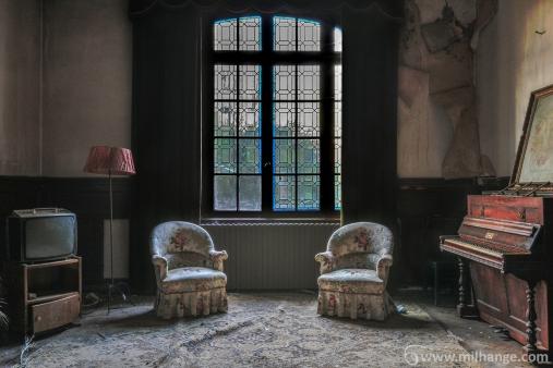 photo-urbex-chateau-abandonne-petit-prince-castle-decay-france-7