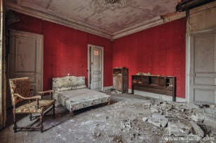photo-urbex-chateau-abandonne-petit-prince-castle-decay-france
