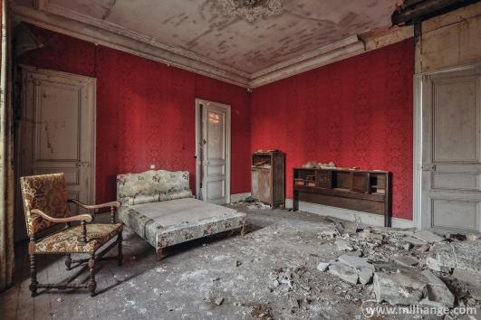 photo-urbex-chateau-abandonne-petit-prince-castle-decay-france