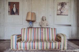 photo-urbex-chateau-des-bustes-abandonne-castle-decay-sphinx-france-11