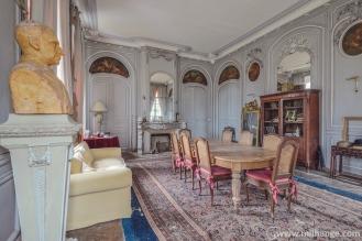 photo-urbex-chateau-des-bustes-abandonne-castle-decay-sphinx-france-15