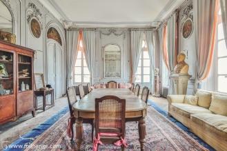 photo-urbex-chateau-des-bustes-abandonne-castle-decay-sphinx-france-8