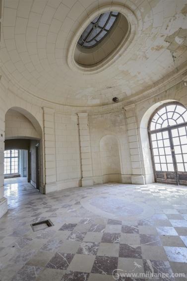 urbex-chateau-de-pan-abandonne-castle-decay-france-11