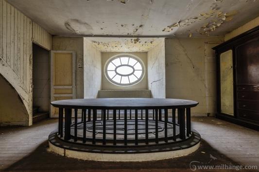 urbex-chateau-de-pan-abandonne-castle-decay-france-5