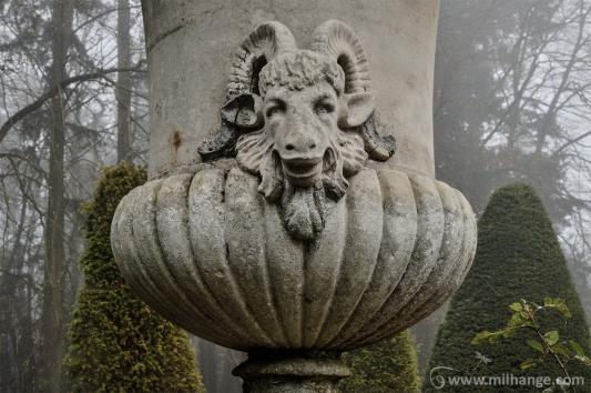 urbex-chateau-de-pan-abandonne-castle-decay-france-9