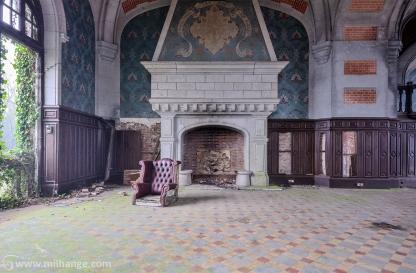 urbex-chateau-du-golf-azurie-abandonne-castle-decay-france-5