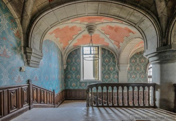 urbex-chateau-du-golf-azurie-abandonne-castle-decay-france-8