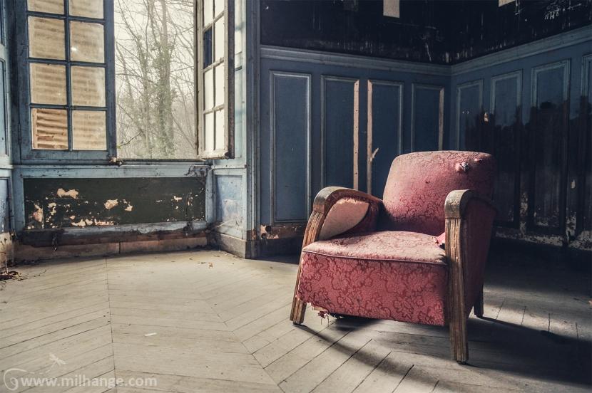 urbex-chateau-ecrivain-manoir-poete-abandonne-castle-decay-france-10