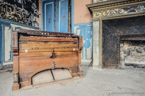 urbex-chateau-ecrivain-manoir-poete-abandonne-castle-decay-france-13