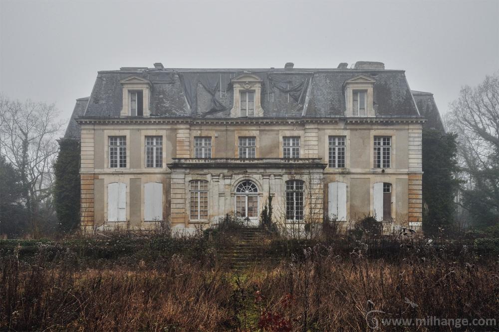 urbex-chateau-ecrivain-manoir-poete-abandonne-castle-decay-france-2