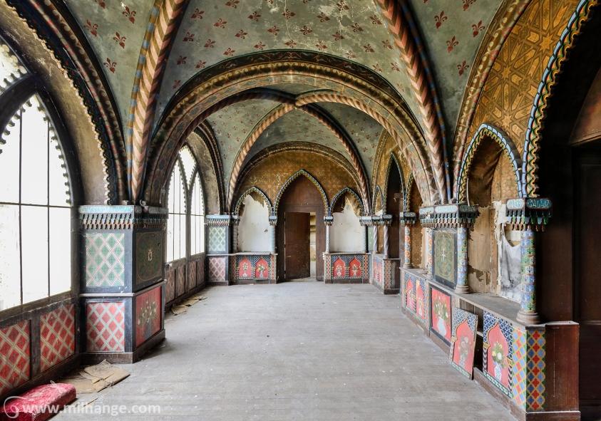 photo-urbex-chateau-arabesque-abandonne-castle-decay-france-4