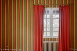 photo-urbex-hotel-kitsch-abandonne-aquitaine-2