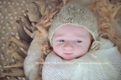 photo-bebe-nouveau-ne-naissance-bordeaux-saint-andre-de-cubzac-3
