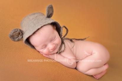 photo-bebe-nouveau-ne-naissance-bordeaux-saint-andre-de-cubzac-4