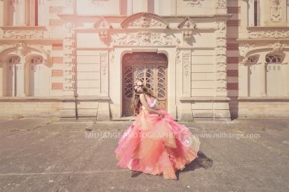 photo-urbex-chateau-du-heron-modele-robe-ambrine-4