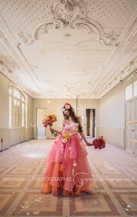 photo-urbex-chateau-du-heron-modele-robe-ambrine-5