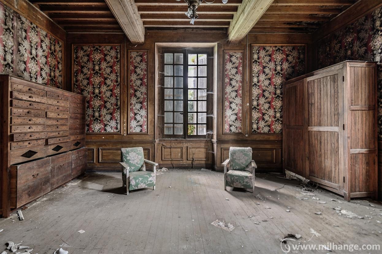 photo-urbex-chateau-renaissance-decay-lost-castle-2