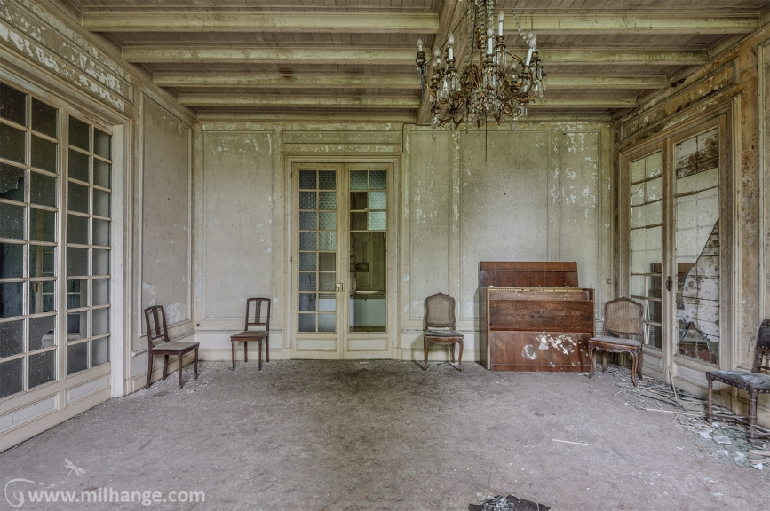 photo-urbex-chateau-renaissance-decay-lost-castle-5
