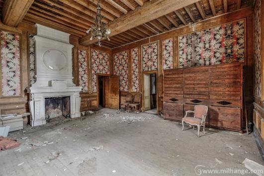 photo-urbex-chateau-renaissance-decay-lost-castle-8