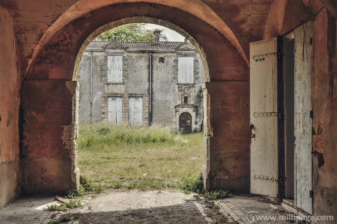 photo-urbex-chateau-abandonne-robe-soiree-negafa-bordeaux-libourne-5