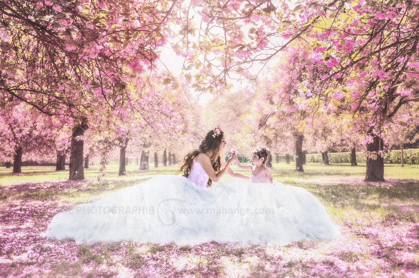 photo-mere-fille-princesse-fleurs-rose-bordeaux-paris