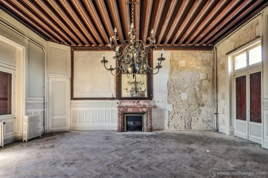 photo-urbex-chateau-des-lustres-chateau-abandonne-6