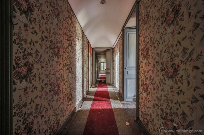 photo-urbex-chateau-des-fables-abandonne-decay-11