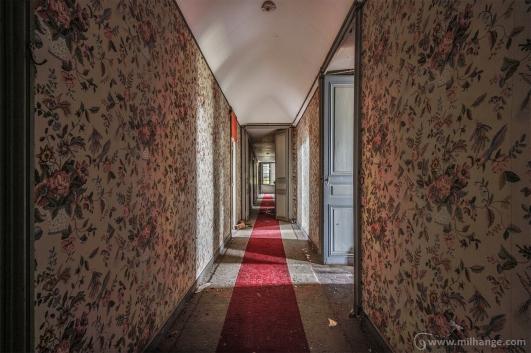 photo-urbex-chateau-des-fables-abandonne-decay-11
