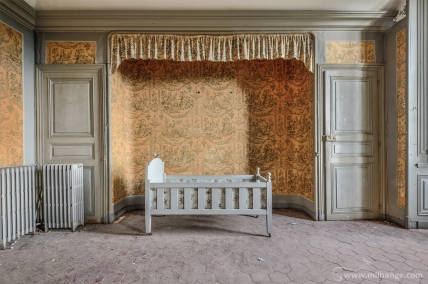 photo-urbex-chateau-des-fables-abandonne-decay-14